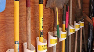 keep-your-garden-tools-organised-with-a-pvc-storage-rack-lifehacker-640x360[1]