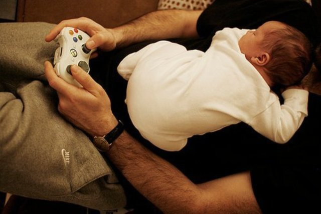 Baby-with-dad-hd-wallpaper